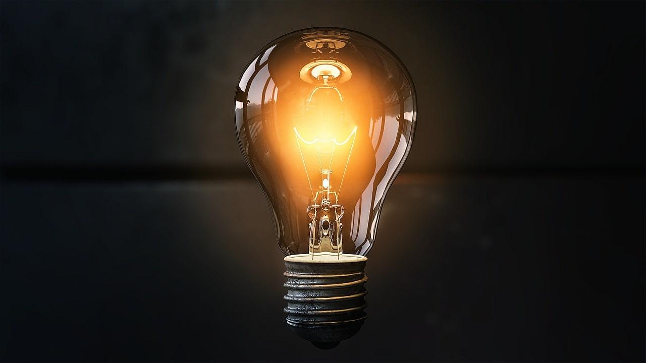 Bulb Ka Aviskar Kisne Kiya